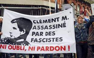 Le portrait de Clément Méric brandi lors d'une manifestation en son hommage le 8 juin 2013 à Toulouse