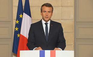 Le président français s'exprime après l'annonce du retrait des Etats-Unis de l'accord de Paris sur le climat, le 1er juin 2017.