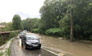 Plusieurs routes dans l'ouest lyonnais sont devenues difficilement praticables jeudi soir.