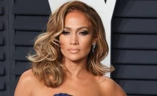 La chanteuse, actrice et femme d'affaires Jennifer Lopez.