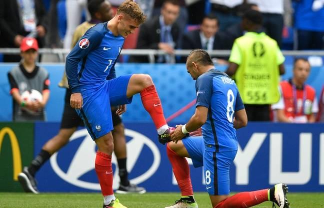 Antoine Griezmann et Dimitri Payet, le 26 juin 2016 lors du 8e de finale de l'Euro contre l'Irlande à Lyon.