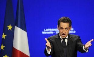 """Le président Nicolas Sarkozy a assuré dimanche qu'il ne serait """"pas le candidat d'une petite élite contre le peuple"""", affirmant que le référendum auquel il veut recourir notamment sur l'immigration et le chômage était """"l'esprit même"""" de la république française."""