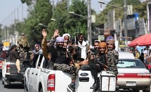 Les talibans contrôlent à présent la totalité du territoire afghan.