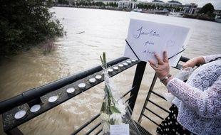 Une pancarte en hommage à Steve, dont le corps noyé a été retrouvé dans la Loire à Nantes.