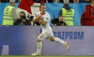 Le Suisse Xherdan Shaqiri a mimé l'aigle albanais lors de son but victorieux inscrit contre la Serbie en coupe du monde