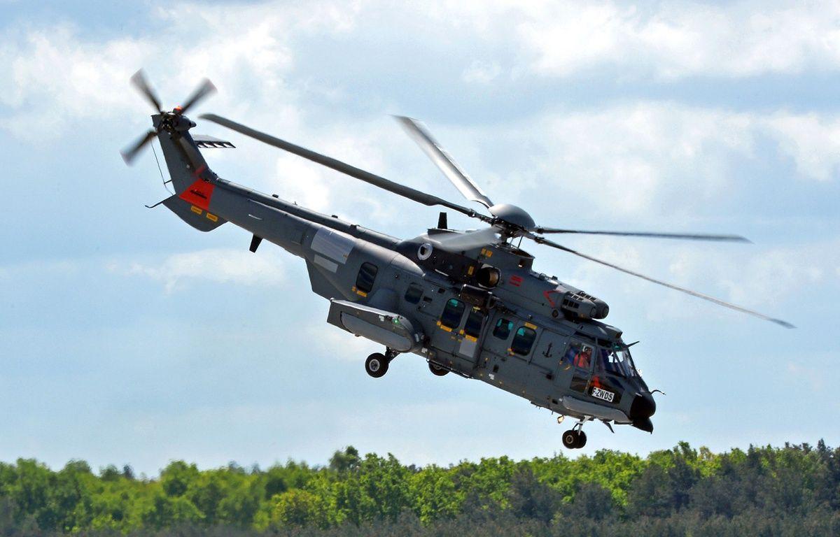 Un hélicoptère Caracal d'Airbus, à la base de Powidz (Pologne), le 14 mai 2015. – JANEK SKARZYNSKI / AFP