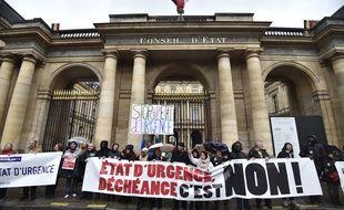 Manifestation d'opposants à l'état d'urgence et au projet de déchéance de nationalité le 30 janvier à Paris.
