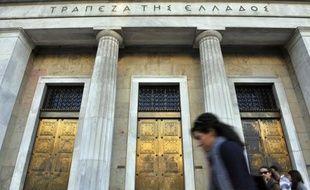 Les représentants de la zone euro et du Fonds monétaire international qui contrôlent l'évolution des finances publiques grecques n'ont pas exclu mardi l'octroi futur à la Grèce d'un nouveau prêt ou d'un délai pour rembourser celui qu'ils lui ont accordé en mai.