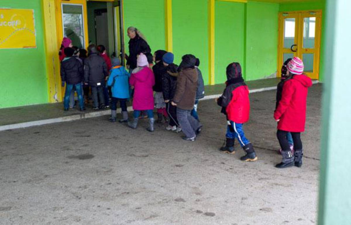 Le 15 février 2013, à Mulhouse, les élèves du groupe scolaire de Brossolette, qui a expérimenté la  semaine de quatre jours et demi. – SEBASTIEN BOZON / AFP