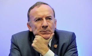"""Le Medef a lancé lundi sa campagne """"un million d'emplois"""" en saluant """"la main tendue"""" par François Hollande et en affirmant attendre la """"confirmation du cap"""" de son pacte de responsabilité avec les entreprises lors de sa conférence de presse mardi."""