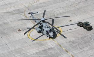Un hélicoptère Caracal de l'armée de l'air française