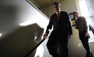 Jon Huntsman a décidé de se retirer de la course à l'investiture républicaine pour l'élection présidentielle aux Etats-Unis, a annoncé dimanche soir à ABC News son porte-parole.