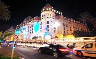 L'hôtel Negresco illuminé par le plasticien Gaspare Di Caro.