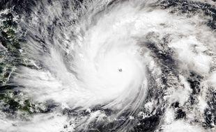 Une image satellite du typhon Hagupit, faite par le National Oceanic and Atmospheric Administration le 4 décembre 2014.