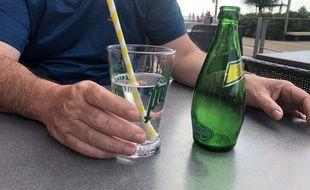 Aux Sables-d'Olonne, de nombreux bars sont passés aux pailles en carton