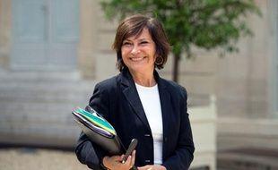 Marie-Arlette Carlotti, ministre déléguée chargée des Personnes handicapées et de la Lutte contre l'exclusion
