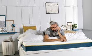 Strasbourg: A l'occasion de la journée du sommeil, rencontre avec ceux qui commercialisent le matelas double face, avec un côté souple et un côté ferme