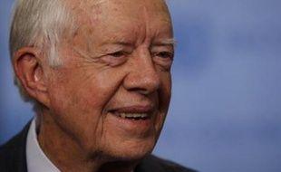 """L'ancien président américain Jimmy Carter a salué la campagne """"extraordinaire"""" de Barack Obama dans la course à l'investiture démocrate pour la présidentielle de novembre, dans un entretien publié mercredi dans le Wall Street Journal."""